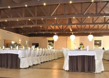 restauracja szczekarkowka, sala balowa, stół